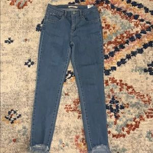 LEVI'S 721 high rise skinny size 28.